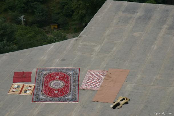 Carpets on the roof.